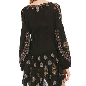 83dcde79580 Free People Tops - Arianna Woven Embroidered Balloon Sleeve Tunic Top